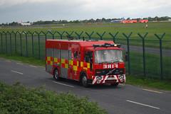 Dublin Fire Brigade D35 (Longreach - Jonathan McDonnell) Tags: ireland dublin volvo sas emergency dublinairport dfb md82 eidw dublinfirebrigade volvofl oykhg
