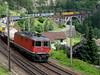 SBB Lokomotive Re II 4/4 / Re 420 rot beim Schieben bei Wassen , Kanton Uri , Schweiz (chrchr_75) Tags: hurni christoph schweiz suisse switzerland svizzera suissa swiss kanton uri wassen gotthardbahn gotthard nordrampe sbb cff ffs schweizerische bundesbahn bundesbahnen chrchr chrchr75 chrigu chriguhurni zug train juna zoug trainen tog tren поезд lokomotive паровоз locomotora lok lokomotiv locomotief locomotiva locomotive eisenbahn railway rautatie chemin de fer ferrovia 鉄道 spoorweg железнодорожный centralstation ferroviaria brücke bridge pont mittlere meienreussbrücke meienreuss re 420 44 albumsbbre44iiiii re44