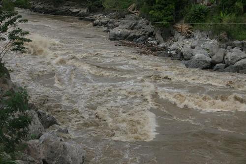 Rio Cauca gathering momentum...
