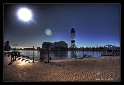 Sol sobre aguas tranquilas