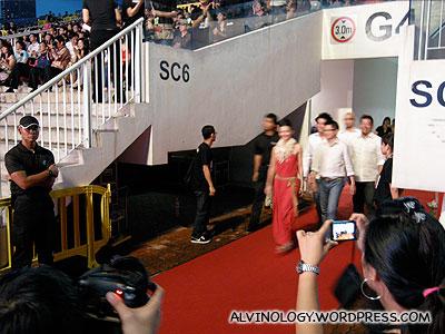 Stefanie Sun and Budak Pantai on the red carpet