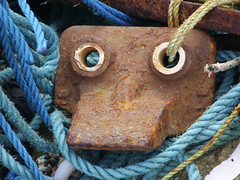 Mr Bignose (Nekoglyph) Tags: blue face found nose fishing eyes focus rust rope whitby block anthropomorphism