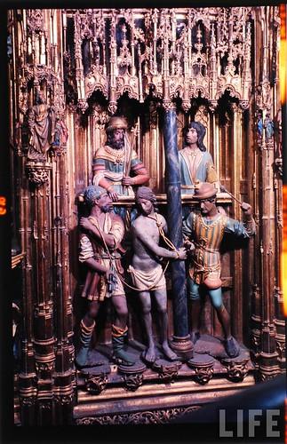 Detalle del altar mayor de la Catedral de Toledo en 1963. Fotografía de Dmitri Kessel. Revista Life (17)