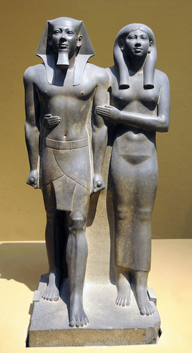 menkaure and queen khameremnebty It depicts egyptian king menkaure and his queen, khamerernebty in both figures in the sculpture,  next to menkaure stands his queen, khamerernebty.