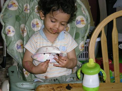 Enjoying the Alexs b-day cake