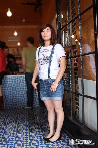 california ca street city portrait people girl fashion la losangeles women style streetfashion streetstyle jeansshorts histyley currentelliott suspenderboyfriendshorts