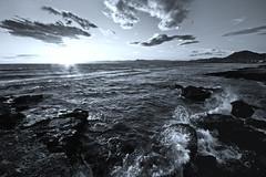 Olas al atardecer (Jos Andrs Torregrosa) Tags: blancoynegro azul atardecer mar murcia olas rocas virado joseandres 10mm sigma1020 40d laazohia canon40d josetorregrosa