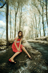 one perfect, something...... (yoga - photowork) Tags: canon indonesia ir photography 350d model infrared 1022mm