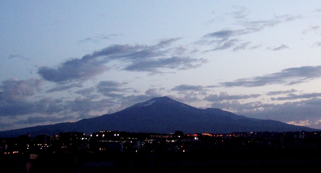 Etna at Dawn-Catania-Italy - Creative Commons by gnuckx