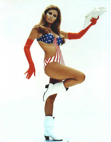 myra-breckinridge-raquel-welch