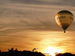 in the air... (Eisgrfin (very busy)) Tags: sun germany air ballon ducks hannover enten maschsee abigfave anawesomeshot saariysqualitypictures flickraward flickrunitedaward magicalskiesmick