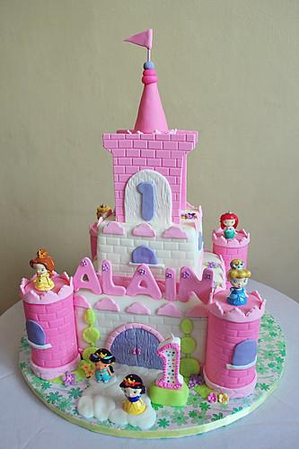 alain's castle cake