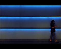 incognito (Dreamer7112) Tags: blue light people hat sunglasses wall schweiz switzerland nikon europe suisse suiza zurich hauptbahnhof walls zrich svizzera zuerich hb d300 incognito zrichhauptbahnhof zurigo shopville onthecell nikond300 stealingshadows reflectyourworld absolutelyperrrfect ontourwithbarbara aliveingeometry