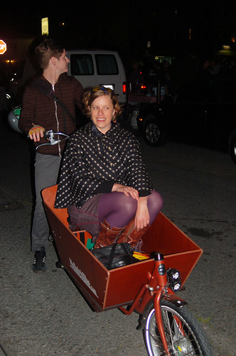 Ramona in the Bakfiets