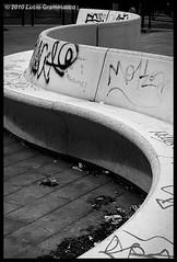 Panchina (Libero Arbitrio) Tags: bw italy white black rome roma lines bench italia bn bianco nero panchina linee lx3