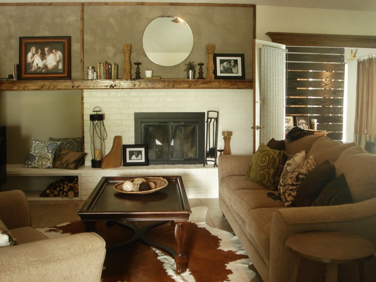 Remodelaholic Modern Farmhouse Family Room Kara Paslay