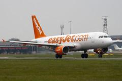 G-EZTJ - 3979 - Easyjet - Airbus A320-214 - Luton - 100414 - Steven Gray - IMG_9910