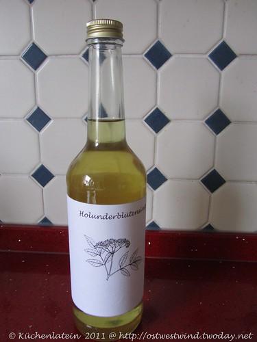 Holunderblütensirup mit Weißwein