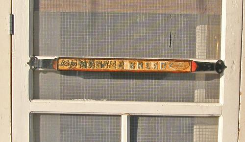 Masterbread handle