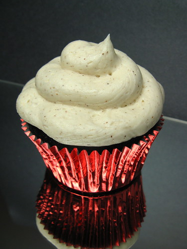 Dark Chocolate Azteca Cupcake with Cinnamon Buttercream