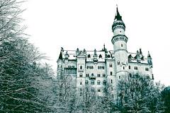 Fairy Tale (Je Rpondrai) Tags: snow castle canon germany deutschland europa europe nieve alemania chateau castillo hohenschwangau niege neuschswanstein 2470mm leurope 5dmarkii lalemagne
