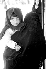 looking deep - persian girl (-icy-) Tags: street girl photography persian kid stencil peace hand mother canvas iranian icy    chadori