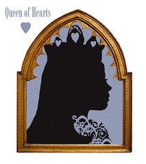 Queen-of-hearts-in-gold