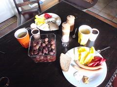 niadanko wersja rybna i z parwkami (mimiczoko) Tags: kawa niadanie oliwki niadanko parwki chlebdrwala szproki jajkonamikko