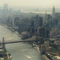 East River + Queensboro Bridge / heli-flight (Frizztext) Tags: nyc newyork square manhattan helicopter eastriver queensborobridge heliocopter 500x500 frizztext mywinners theunforgettablepictures