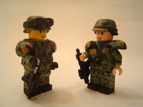 Heavy Dragoon woodland camo custom minifigs