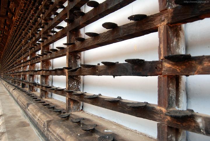 inside vadakkunathan temple complex