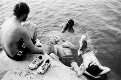 india 2009 - swimming at hampi reservoir (travelight) Tags: blackandwhite india film water swimming rocks reservoir 2009 hampi m7 hcsp 35mmsummiluxasph travelight notypig