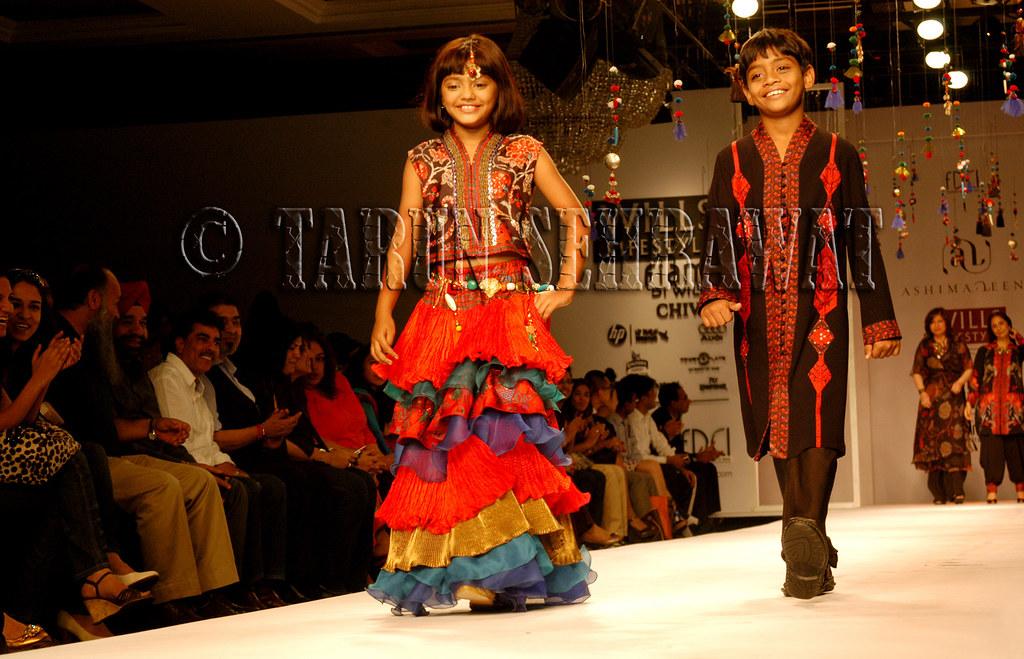 Slumdog Millionaire Kids by Tarun Sehrawat