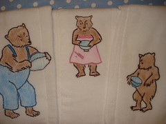 3 bears on 3 burp cloths (Skitzo Leezra) Tags: bear baby embroidery goldilocks embroider 3bears burpcloth crayontinting doecdoe