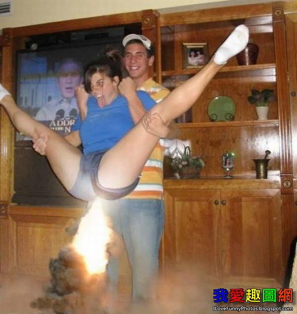 他讓女友噴火啦! Couple [我愛趣圖網]