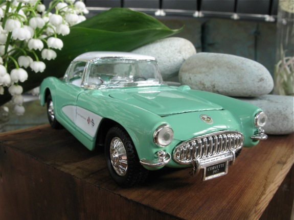 mint green 1957 corvette 006