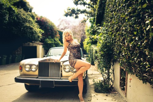 [Free Image] People, Women, Vehicle, Car / Automobile, Blonde, Dress, 201106130900