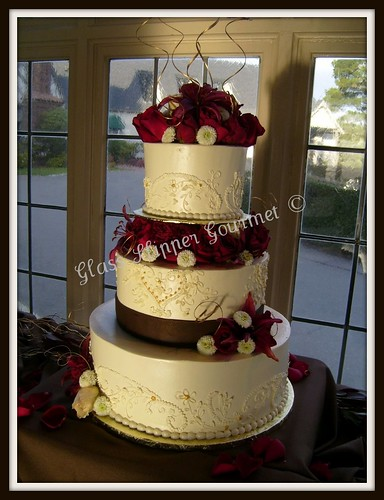 The colors for the event were chocolate brown and deep red with gold