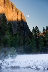 "Yosemite - ""El Capitan-Moon Rise"" #3.jpg (YOSEMITEDONN) Tags: california trees sunset fog yosemite elcapitan mercedriver moonsnow dragondaggerphoto winternationalpark beautifulgravereflections"