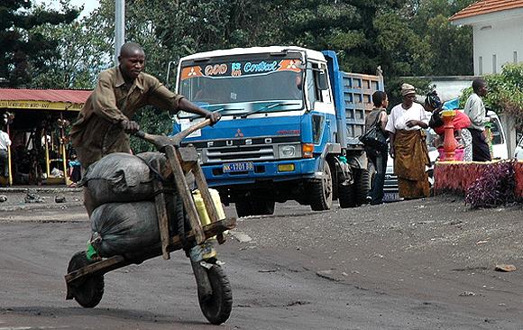 Un Tchikudu dans une rue de Goma