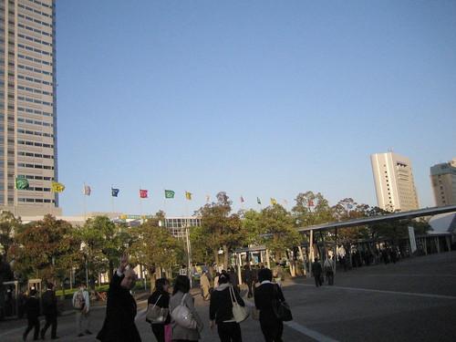 展覽結束後,往車站(海兵幕張)的人潮