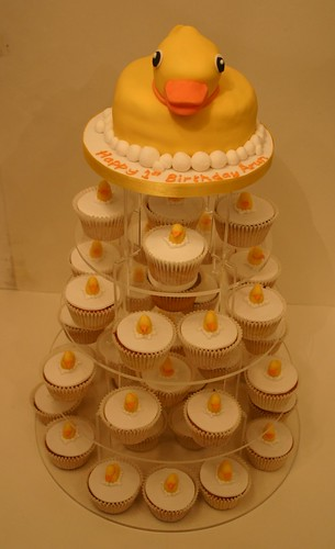 Rubber Duck & Ducklings Cakes