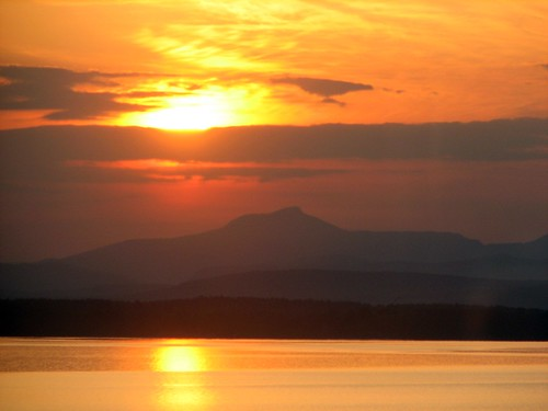 sunrise, Lake Champlain, 5/3/09