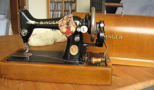Vintage singer 2
