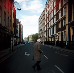 Dublin (Etienne Despois) Tags: travel dublin square holga travelplanet