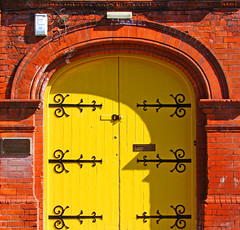Yellow and brick (Steve-h) Tags: door ireland music dublin orange yellow europa europe bricks eu plate finepix fujifilm letterbox brass blueribbonwinner steveh a explore6 supera mywinners abigfave superaplus aplusphoto flickrhearts flickraward superhearts platinumheartaward theperfectphotographer threefaves 100faves123 shiningstar s100fs beautifulshot favemoifrance thegalleryoffinephotography platinart leesonparkschoolofmusic