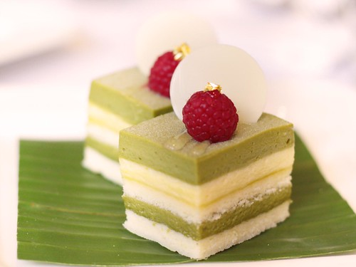 White chocolate with green tea
