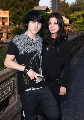 Mitchel Musso and Gia Mantegna