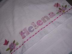 Toalha Helena, nova encomenda entregue.. (*Sonhos e Retalhos Ateli*) Tags: flores colagem patchwork letras borboletas bordado costura fitas florestecido patchcolagem toalhadebanho floresdetecido