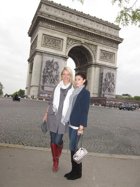 Tara Hunnewell, Samantha Gutstadt, Paris France